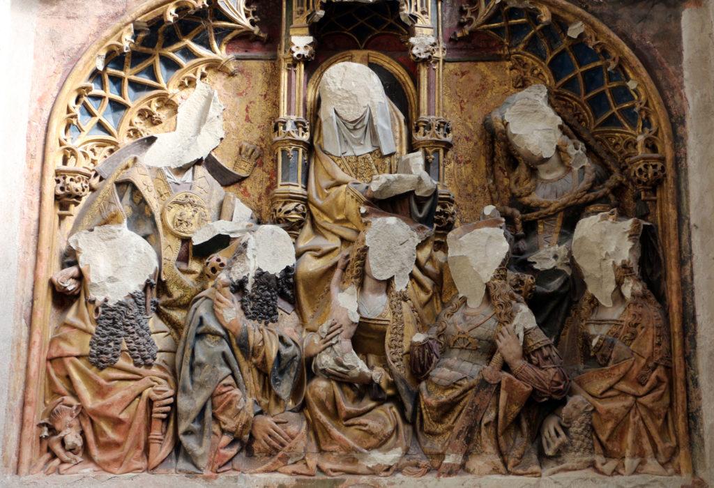 Duomo di Utrecht, rilievo quattrocentesco mutilato durante l'iconoclastia